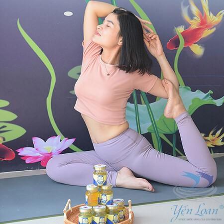 Yoga và yến sào người bạn đồng hành của phái đẹp