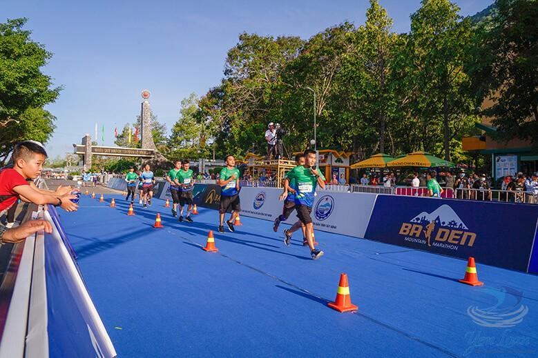 Vận động viên tham gia giải chạy ở nhiều cự ly: 5, 10, 21, 42km